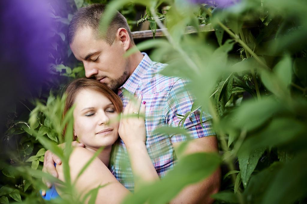para-w-plenerze-zieleń-zakochani