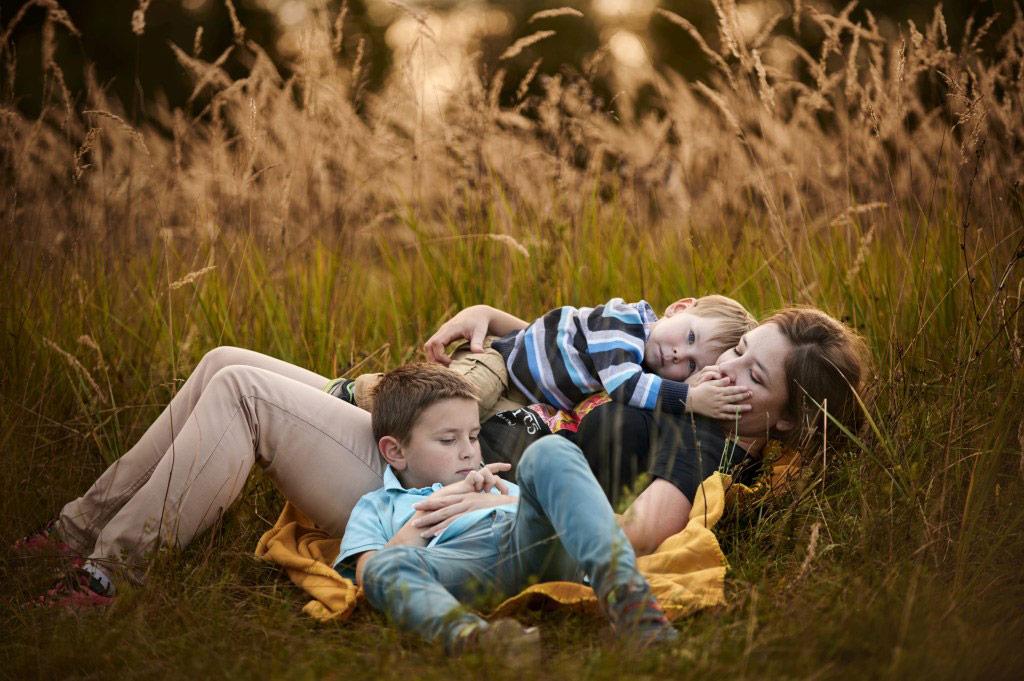 Sesja rodzinna w plenerze las lifestyle 14 14