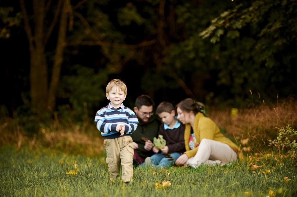 Sesja rodzinna w plenerze las lifestyle 2 2