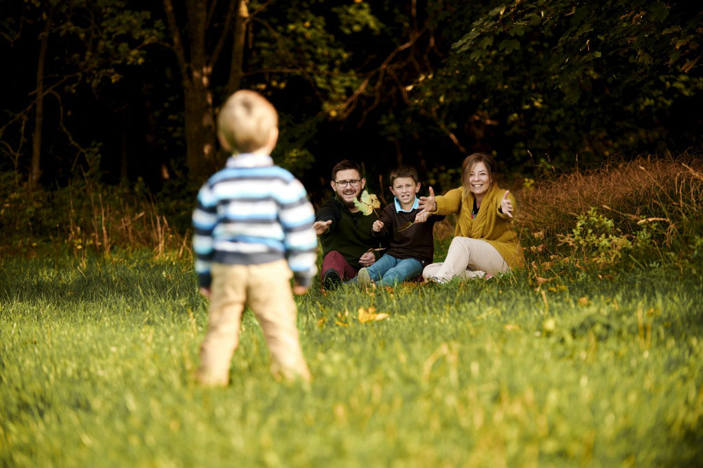 Sesja rodzinna w plenerze las lifestyle 3 3
