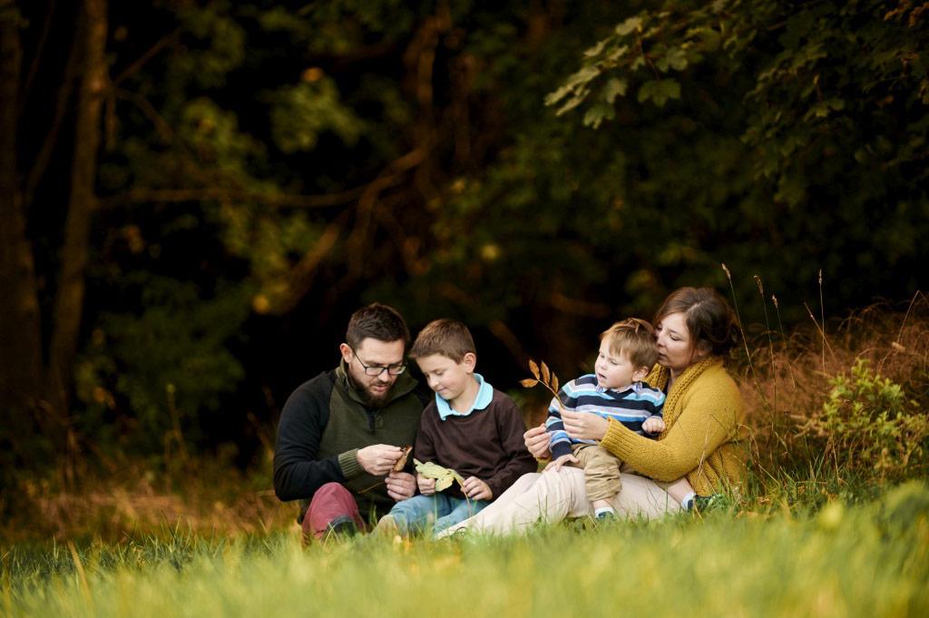 Sesja rodzinna w plenerze las lifestyle 4 4
